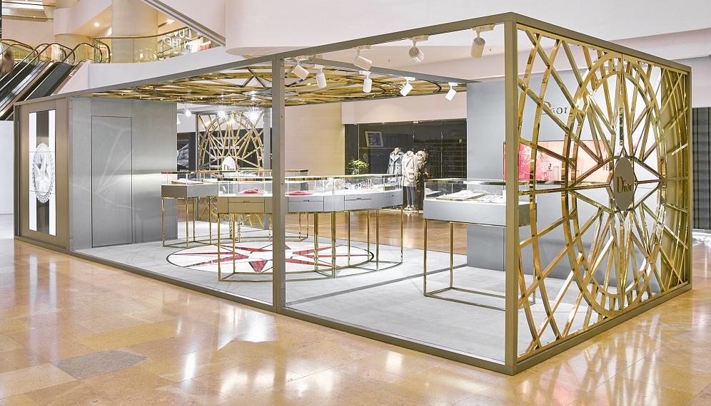 Manifesto Recap Dior Joaillerie S Rose Des Vents Pop Up